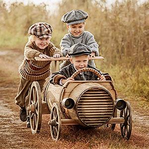картинка Поиск друзей детства от магазина Доступная генеалогия
